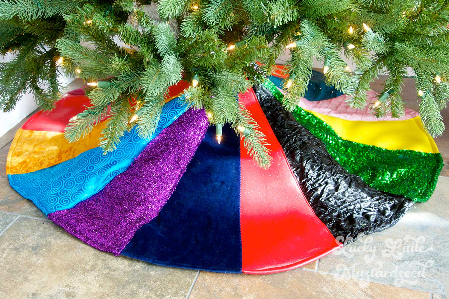 A-Scrappy-Tree-Skirt
