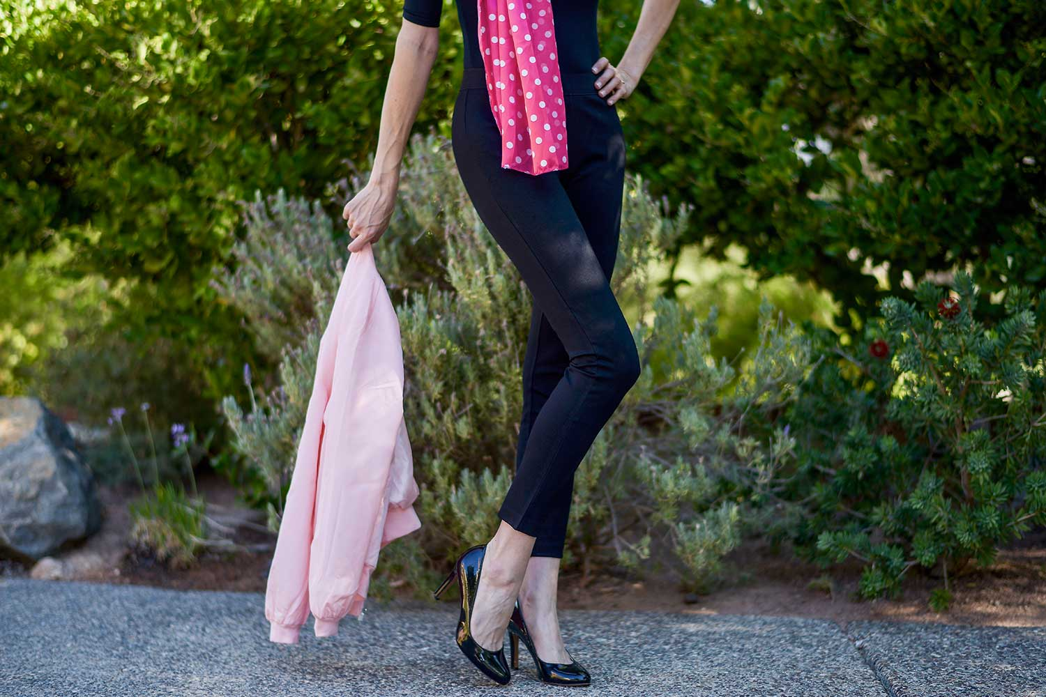 jenna-pilant-lucky-little-mustardseed-san-diego-fashion-blogger-halloween-2016-costume-ideas-grease-pink-lady-costume-4