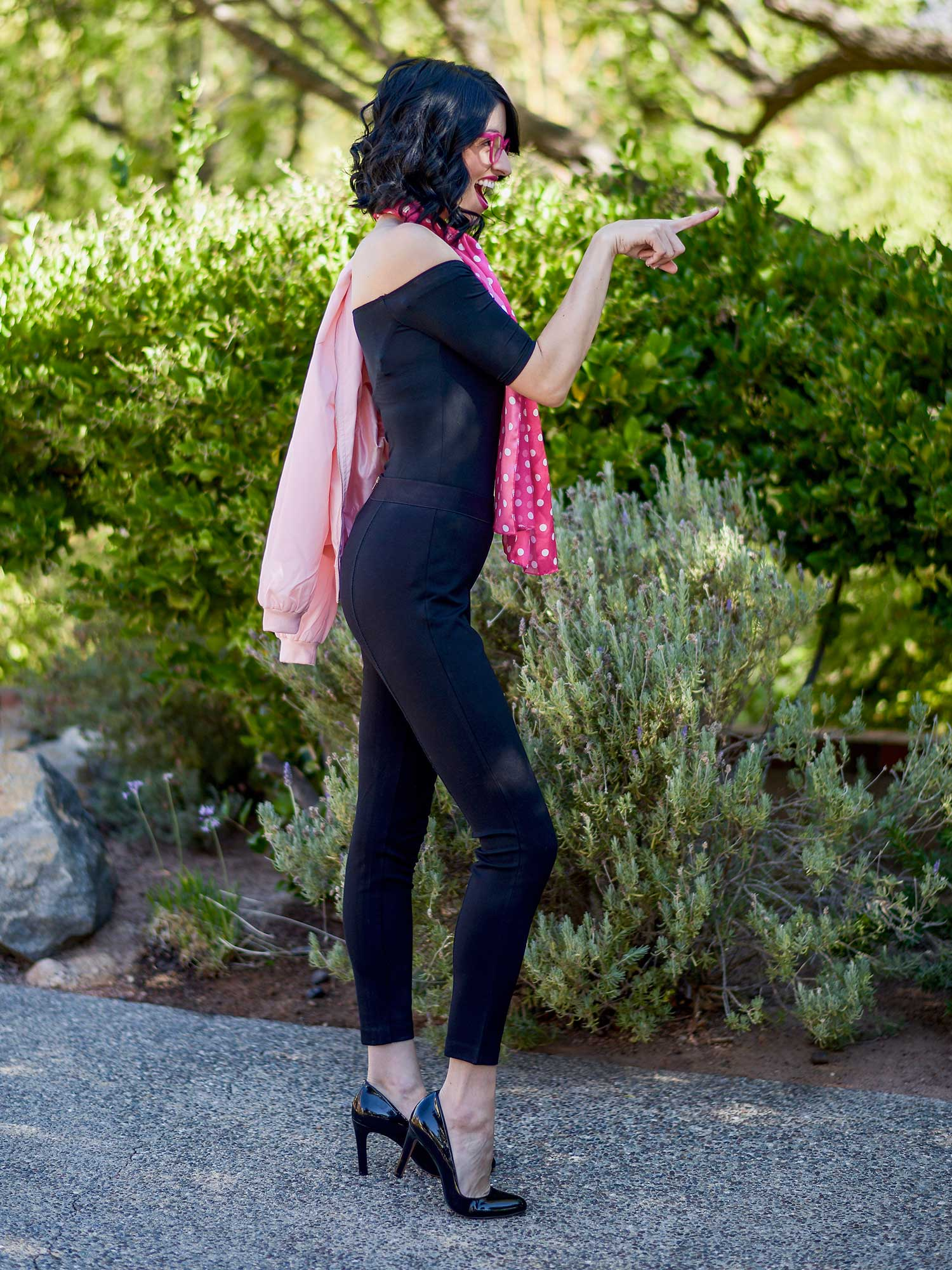 jenna-pilant-lucky-little-mustardseed-san-diego-fashion-blogger-halloween-2016-costume-ideas-grease-pink-lady-costume-7