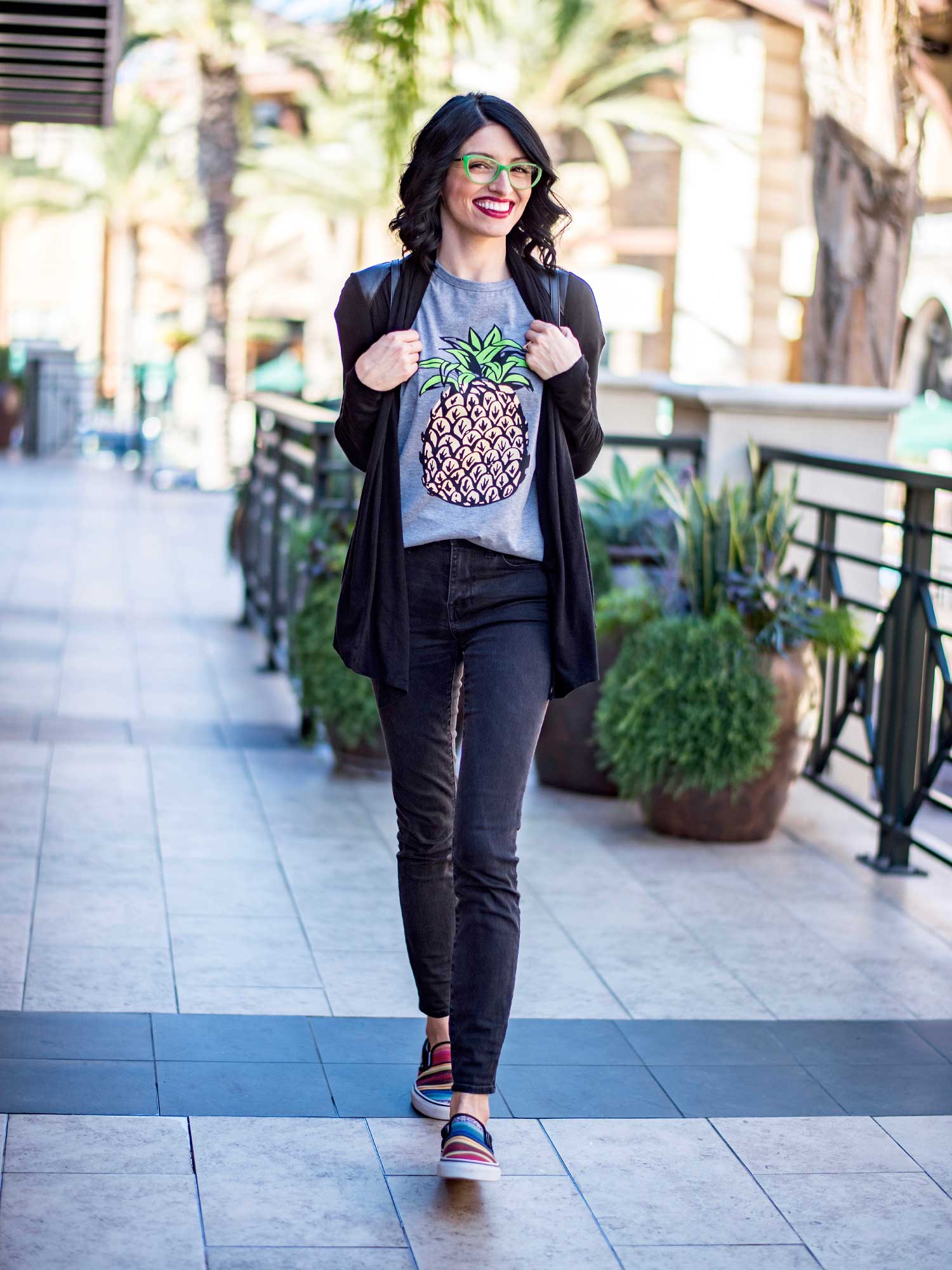 jenna-pilant-san-diego-fashion-blogger-lucky-little-mustardseed-how-to-wear-your-favorite-summer-t-shirt-in-the-fall-1