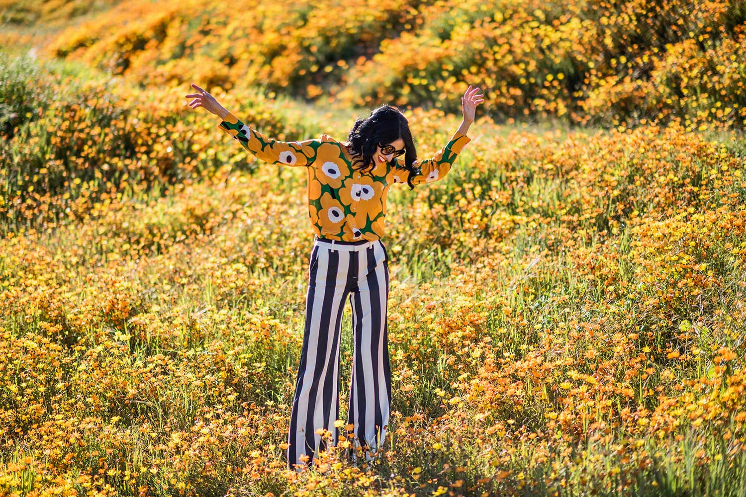 Jenna-Pilant-Style-Blogger-Lucky-Little-Mustardseed-Spring-Fashion-2017-Marimekko-Shirt-with-Alice-and-Olivia-Pants-1