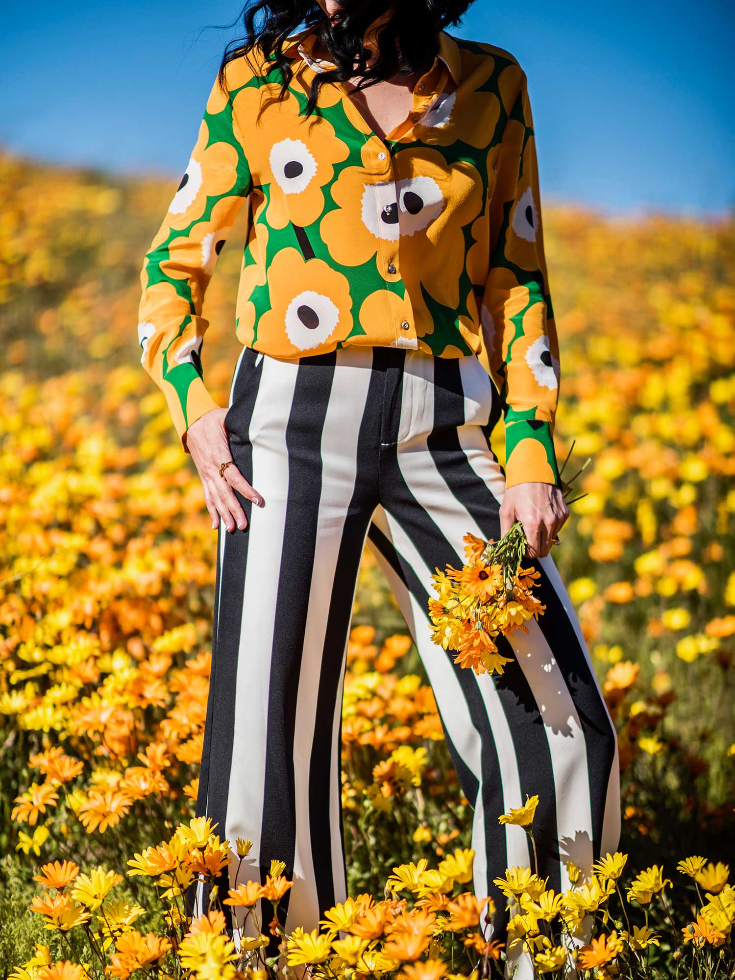 Jenna-Pilant-Style-Blogger-Lucky-Little-Mustardseed-Spring-Fashion-2017-Marimekko-Shirt-with-Alice-and-Olivia-Pants-2